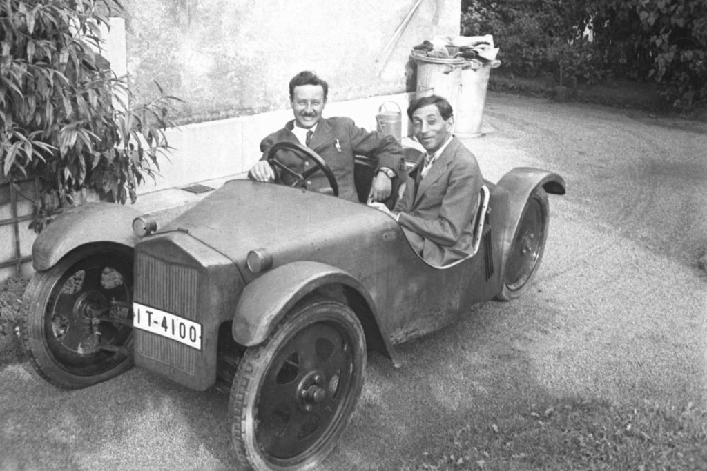 Josef Ganz behind the wheel of the Maikäfer together with streamlining pioneer Paul Jaray, 1931