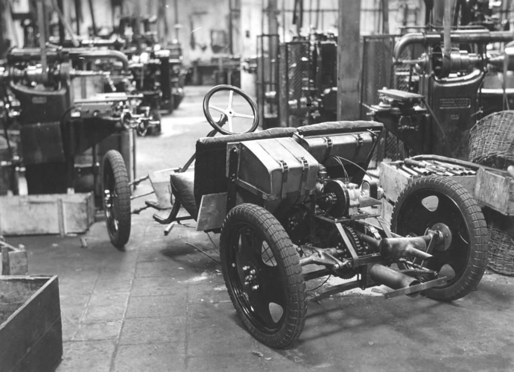 Chassis of the Ardie-Ganz prototype under construction at Ardie, 1930